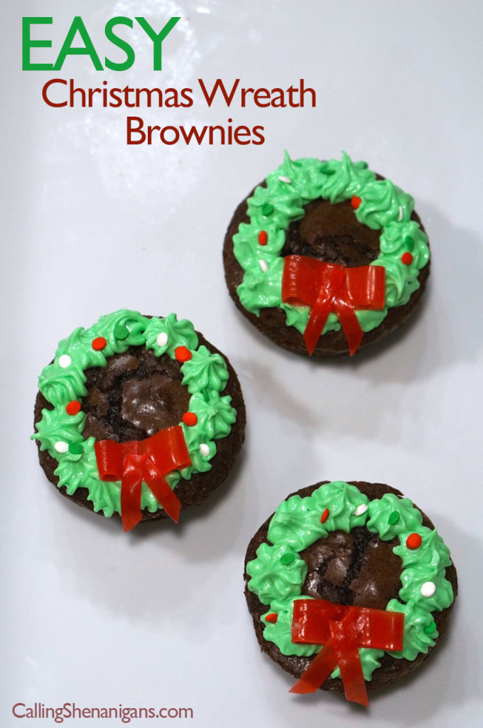 wreathbrownieswithiccing