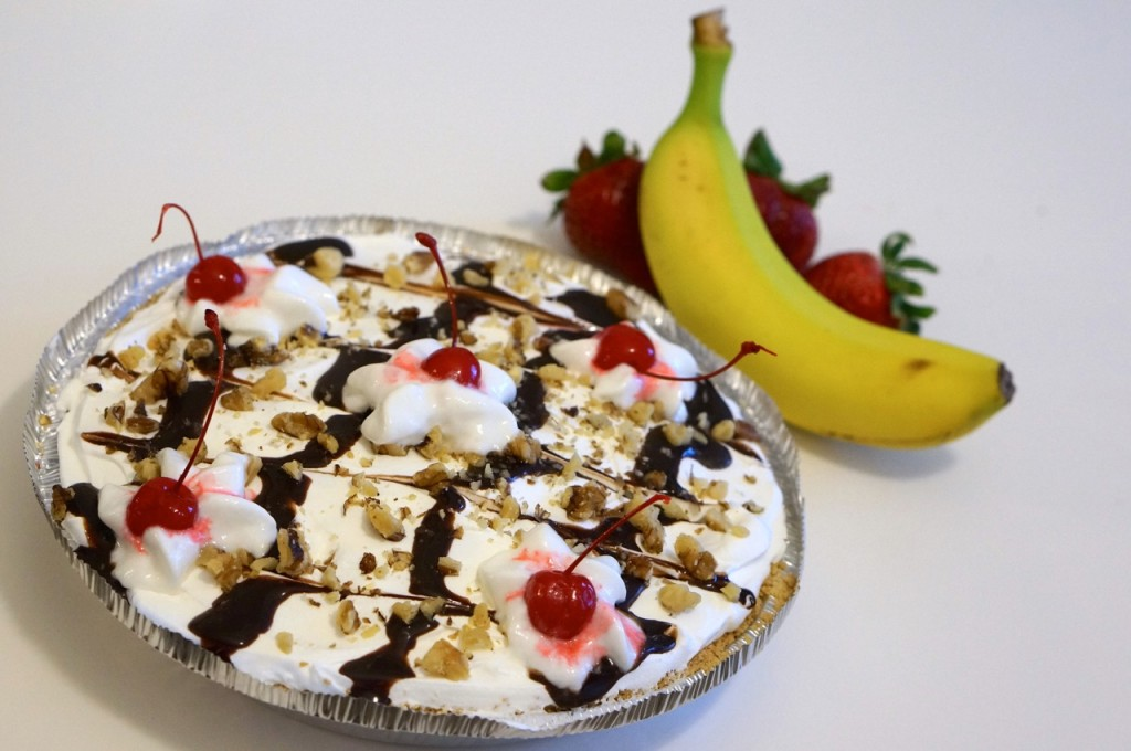 banana-split-cream-pie