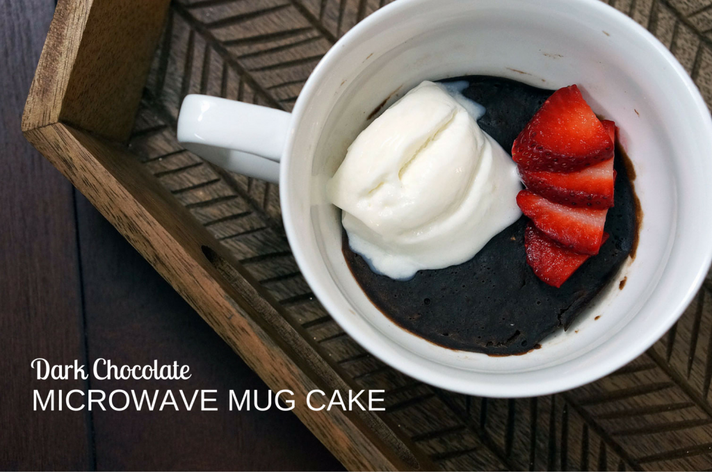 Dark-chocolate-cake-in-mug